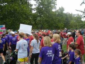 Thousands flock to Head for the Cure 2012