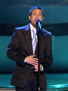 "Elliott Yamin's powerful rendition of ""A Song for You"" still remains one of the show's best vocal master class performances. (Photo property of 19 Entertainment, FremantleMedia North America & FOX)"