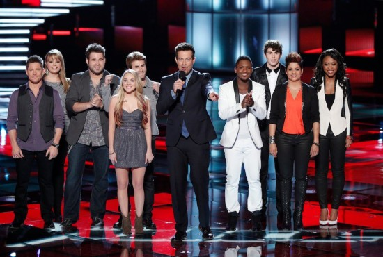 Team Blake and Team Shakira singers pose with &quot;Voice&quot; host Carson Daly before they performed their solos. (Photo property of NBC, One Three Media &amp; Warner Horizon Television)