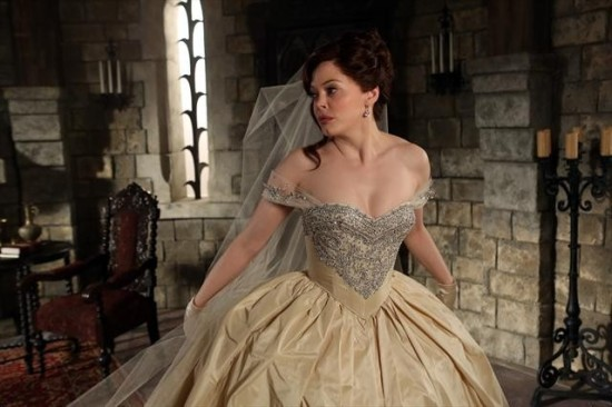 """Rose McGowan returned to """"Once Upon A Time"""" to reveal more about Cora's past and decision to abandon Zelena. (Photo property of ABC's Jack Rowand)"""
