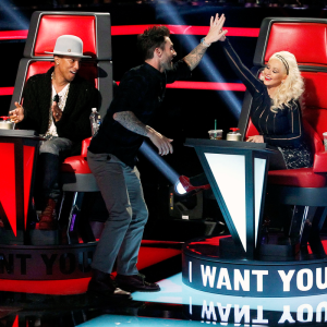 Team Pharrell and Team Xtina tackle the Battle Rounds