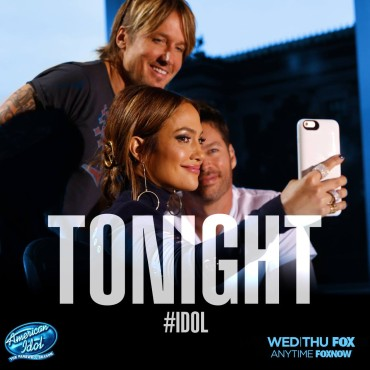 """Jennifer Lopez takes a selfie with Keith Urban and Harry Connick, Jr. on the """"Idol"""" set. (Photo & graphic property of FOX, FremantleMedia North America & 19 Entertainment)"""