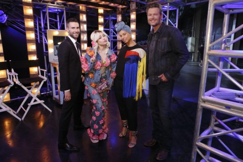 "Adam Levine, Miley Cyrus, Alicia Keys, & Blake Shelton pose together before returning to ""The Voice"" stage. (Photo by Trae Patton & property of NBC)"